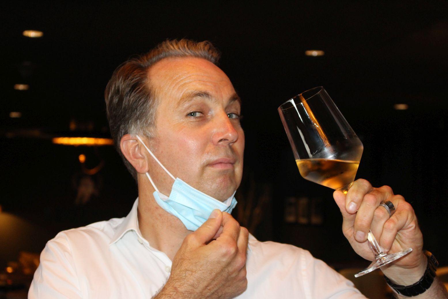 Wine& Dine 001