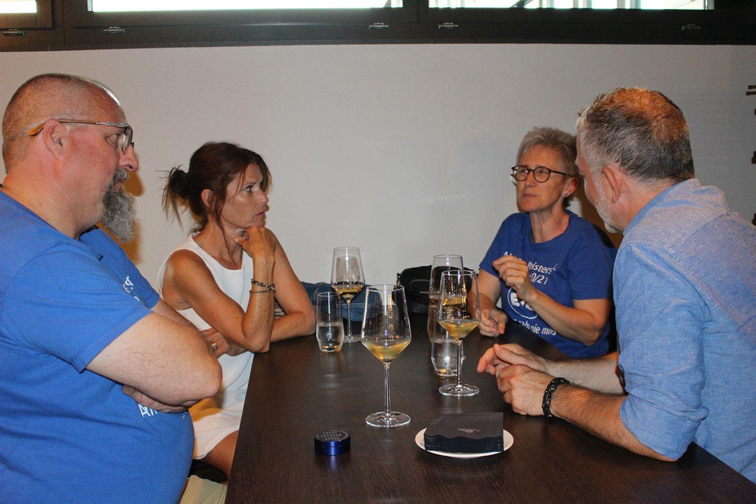 Wine& Dine 010